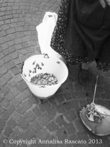 Venditrice di lumache casertane.